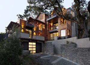 Проектирование и строительство домов на участках с уклоном
