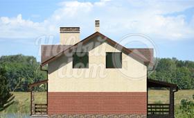Третий фасад двухэтажного загородного коттеджа с мансардой
