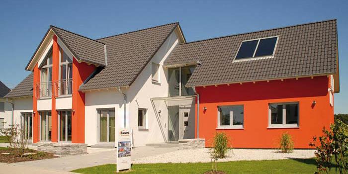 Пример частного дома с мансардой