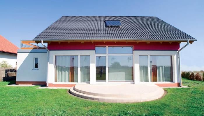 Небольшой одноэтажный дачный дом