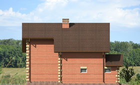 Четвертый фасад уютного двухэтажного дома с гаражом